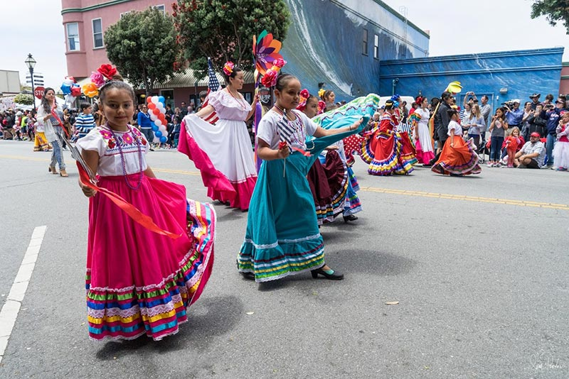 4th of July Parade hispanic dancers