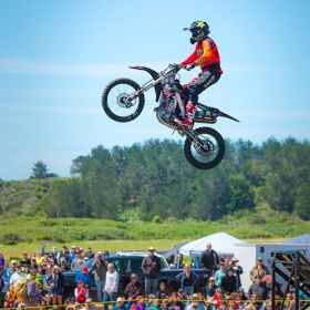 FREESTYLE MOTOCROSS STUNT SHOWS